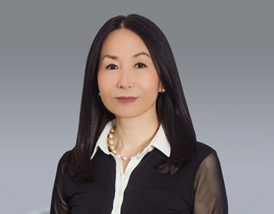 Head Shot of Dr. Shim, board certified dermatologist in NYC, NY.
