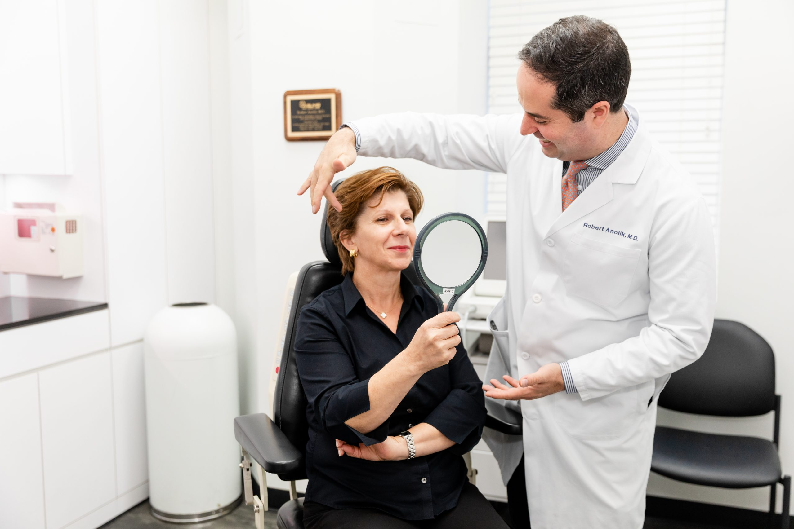 Utilizing radiofrequency energy, Thermage® CPT effectively smooths, tightens, and contours skin for an overall younger appearance.