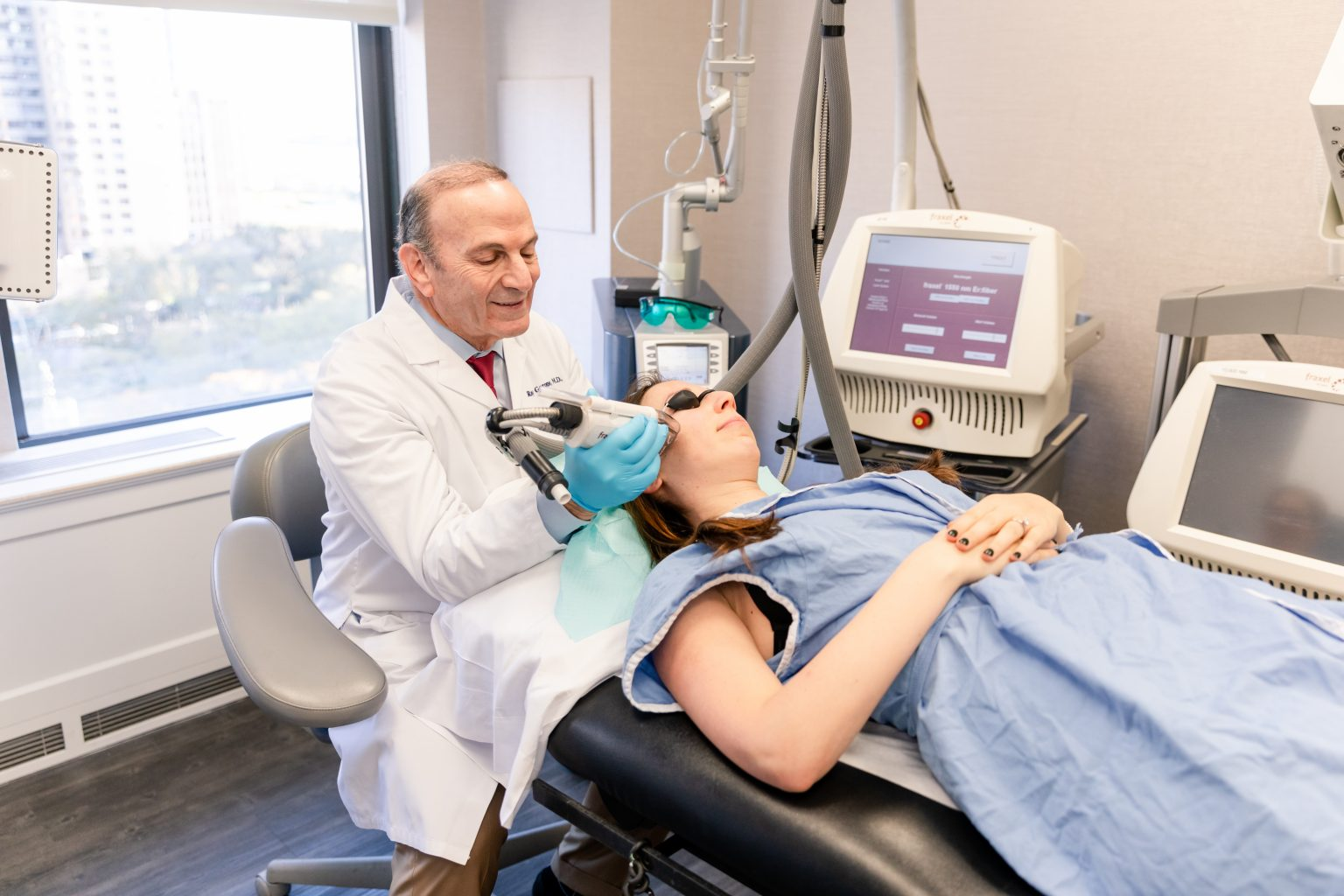 fractional laser treatments for neck rejuvenation in Manhattan, NY